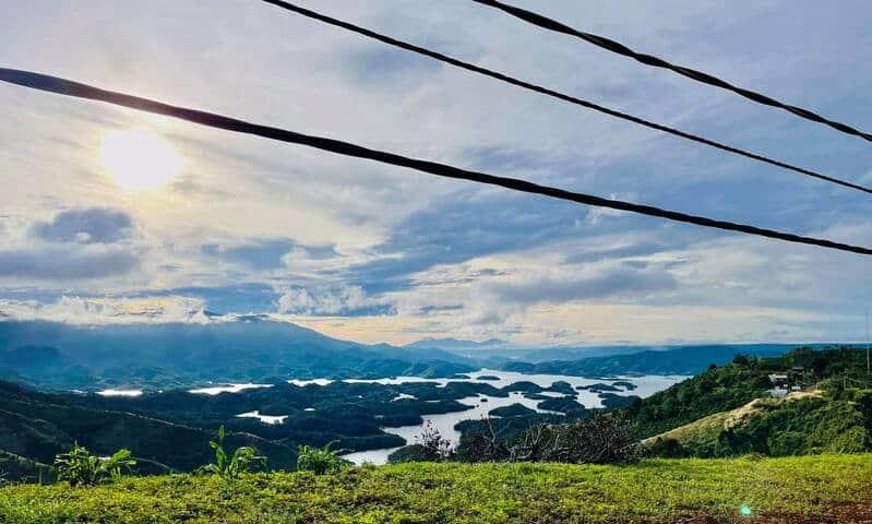 Cảnh sắc hùng vĩ ở Tà Đùng khi ngắm từ trên cao - Cung đường lý tưởng dành cho những tín đồ Trekking Việt Nam