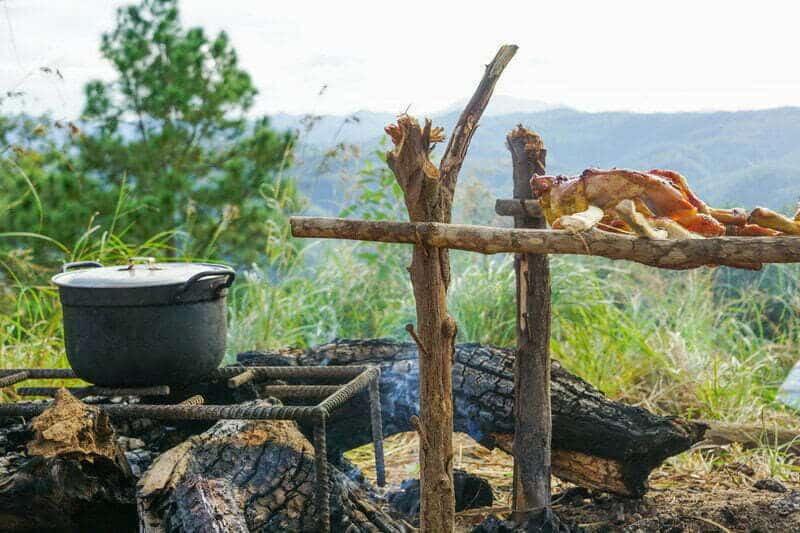 Bữa ăn giữa núi rừng thiên nhiên