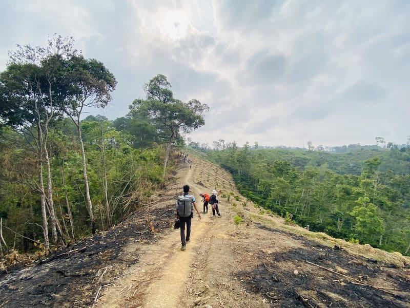 Cung đường Trekking Thác Phi Liêng hoang sơ và hùng vĩ.