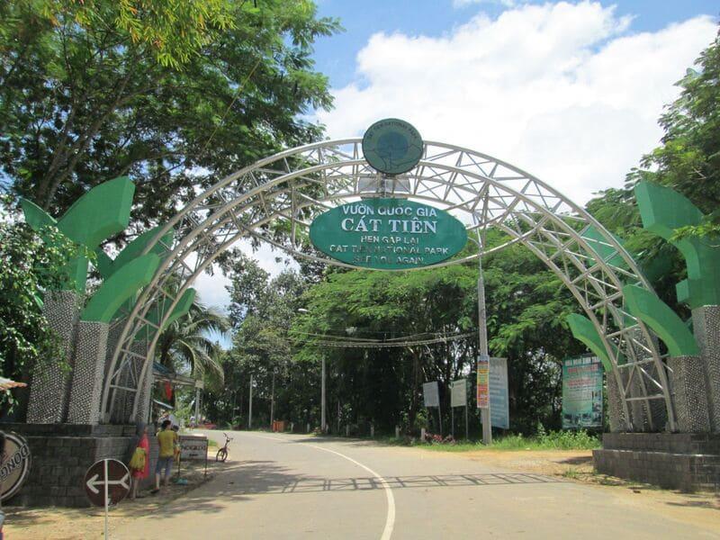 Cổng vào của Vườn Quốc Gia Nam Cát Tiên
