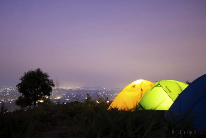 Cắm trại qua đêm tại núi Chứa Chan