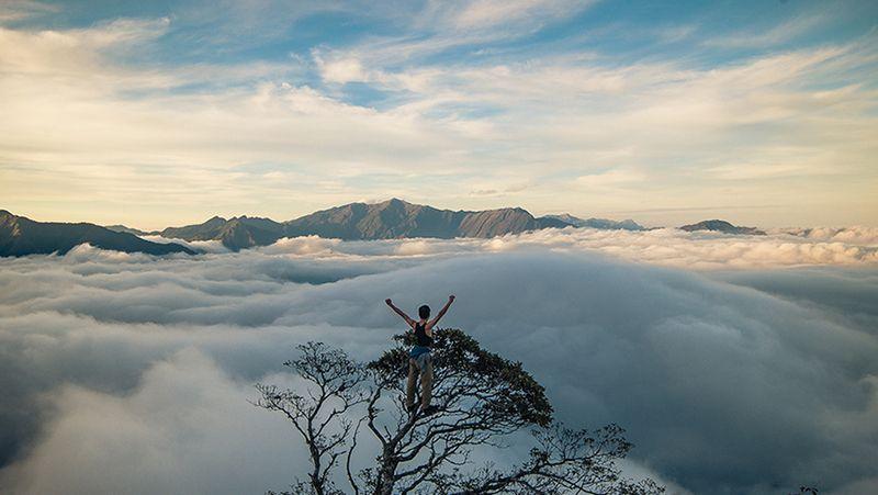 Bị mê mẩn bởi mây bao phủ kín các đỉnh núi, đồi. Bạn đã sẵn sàng cho chuyến du lịch đến đây chưa?