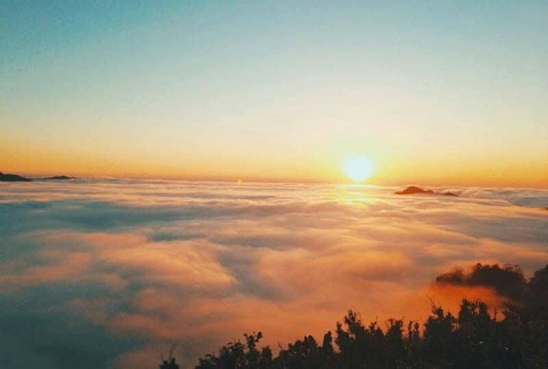 Đắm chìm giữa biển mây tại Tà Xùa