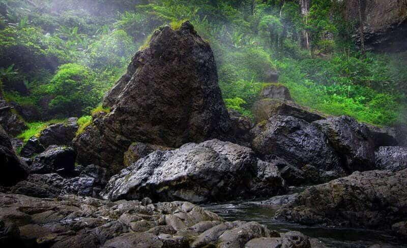Vẻ đẹp hoang sơ của thác K50 trong rừng sâu